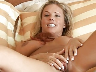 blond d like to fuck massages her giant breast