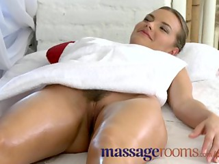 Massage Rooms Mature lesbian has a filthy