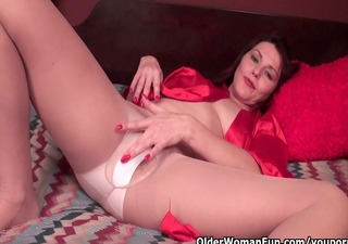 sexually excited soccer mom cuts open pantyhose