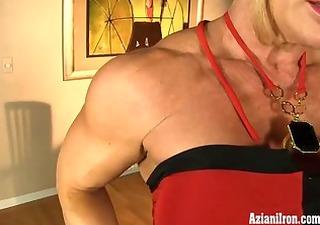 aziani iron mature male bodybuilder with big love