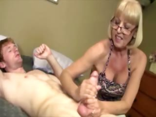 giving granny is giving a pounder massage