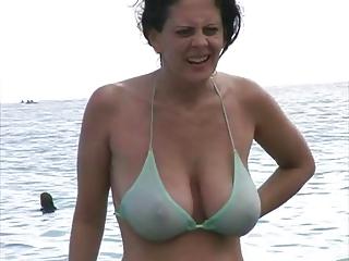 sexy d like to fuck in bikini at the beach
