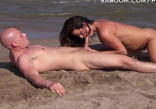 latina milf bonks and squirts on nude beach